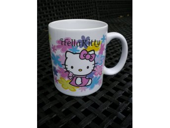 SANRIO HELLO KITTY MUGG .