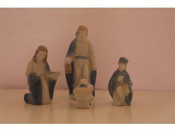 25 blåa figuriner - änglar, bedjande, madonnafigurer och krubban - Kumla - 25 blåa figuriner - änglar, bedjande, madonnafigurer och krubban - Kumla