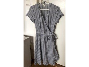 Randig omlottklänning, klänning, H&M HM, stl. 36 (398567860