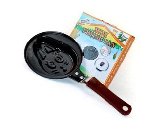NY!  Mini Metal Frying Pan - Smiling Rabbit Design
