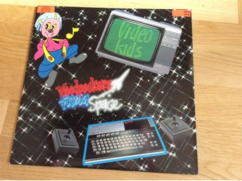 Video kids Woodpeckers from space 12""