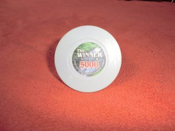 The Winner Cup 5000$ XL poker chips. Card Marker.