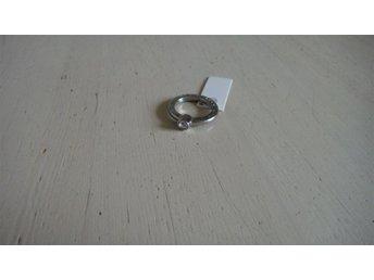 Dyrberg Kern ring, II, shiny försilvrad, klar kristall, oanvänt - Kastrup - Dyrberg Kern ring, II, shiny försilvrad, klar kristall, oanvänt - Kastrup