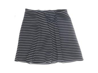 Vit Zebrarandig kjol med volang 99:50 | Lindex