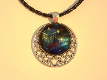 Dr Who Tardis Halsband / Necklace