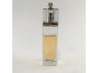 Parfym ᐈ Köp Parfym online på Tradera • 8 471 annonser