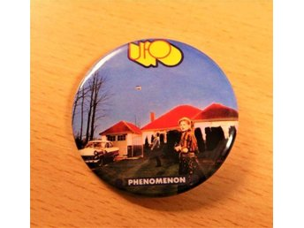 UFO - STOR Pin / Badge- (Space Rock, Michael Schenker, 70-TAL, Scorpions,)