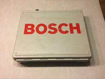 Javascript är inaktiverat. - Södertälje - Kraftig plastlåda från Bosch. Längd 46cm Bredd 39cm Höjd 12cm Bra begagnat skick. - Södertälje