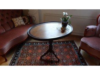 Gammaldags bord / Old-style table - Göteborg - Gammaldags bord / Old-style table - Göteborg