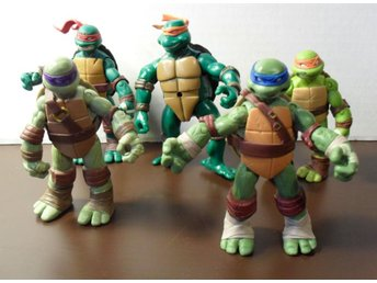 5 st Ninja Turtles figurer 2002-2012