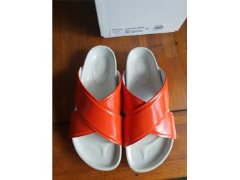 Celine slippers i orange patent leather i strl 39