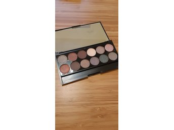 Sleek I-Divine Mineral Based Eyeshadow Palette Goodnight Sweetheart 1030