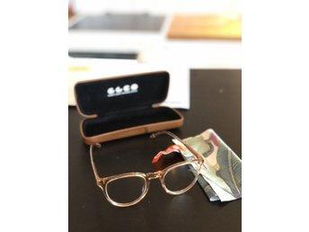 Grå Genomskinliga Glasögon Klart Gla.. (342962692) ᐈ megabilligt på ... 15e85636a71cb