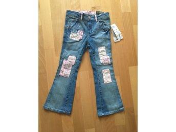 Javascript är inaktiverat. - Göteborg - Hej,Söker Du snygga lite roliga jeans, se hit. Köpte på mig extra jeans som sedan inte hann användas.Storlek: 110, helt nya, lappar kvar. Endast legat i påse.Märke:,Detroit, inköpta på Lindex.Nypris: 199 krDjur/rökfritt hem.Välkommen - Göteborg
