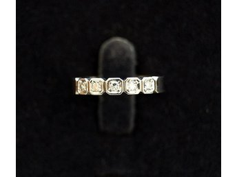 Ring i 18k guld med 0,18ct diamanter, Ceson