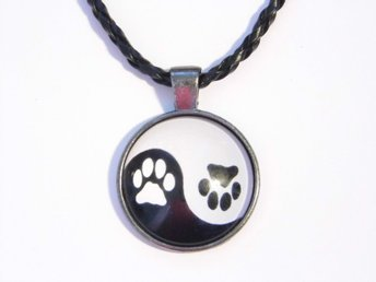 Tassar Ying Yang Halsband / Paws Necklace