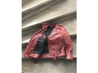 Leather Jacket 8 BLK DNM Vinröd (348100358) ᐈ Köp på Tradera
