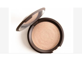 Becca Shimmering Skin Perfector Pressed Opal highlight contour strobing smink