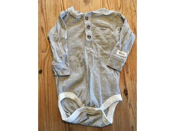 Body från Newbie stl 62 farfars tröja - Hjärnarp - Body från Newbie stl 62 farfars tröja - Hjärnarp