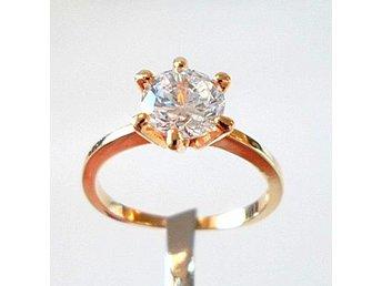 10 k gult guldfylld ring med lab. safir, strl ca 17.5 - Märsta - 10 k gult guldfylld ring med lab. safir, strl ca 17.5 - Märsta
