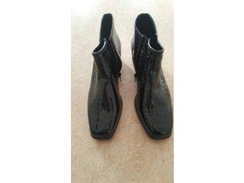 edd15c613ea Nya svarta skor från Jenny by ara . Strl : 8 /.. (346075221) ᐈ Köp på  Tradera