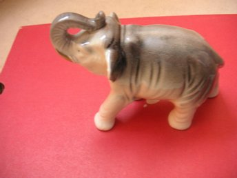 Elefant i keramik made in Japan