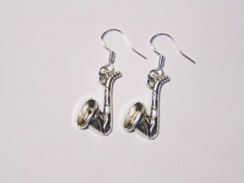 Saxofon örhängen / Saxophone earrings