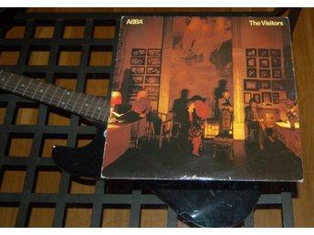 Javascript är inaktiverat. - Växjö - Abba The Visitors ett exemplar som visar spår av användning på omslaget och är prissatt efter det. Vinylen knastar en aning i tysta partier men i övrigt spelar som den skall. Label: Polar – POLS 342 Format: Vinyl, LP, Album Country: Swede - Växjö