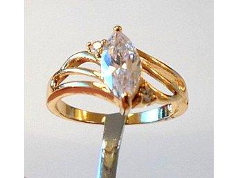 18 k gult guldfylld ring med lab. safir, strl ca 19 - Märsta - 18 k gult guldfylld ring med lab. safir, strl ca 19 - Märsta