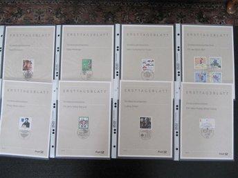 Ersttagsblattpärm 1997/98 m 93 blad i plastfickor i vinröd pärm - Växjö - Ersttagsblattpärm 1997/98 m 93 blad i plastfickor i vinröd pärm - Växjö