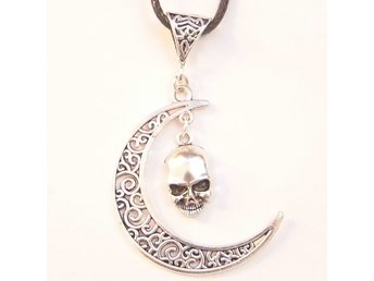 Skalle halsband / Skull necklace