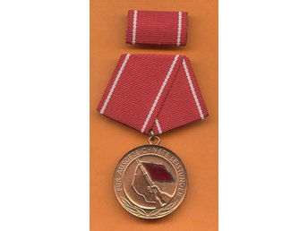 DDR, medalj för utmärkta tjänster för att Kampfgruppen . - Nuernberg - DDR, medalj för utmärkta tjänster för att Kampfgruppen . - Nuernberg