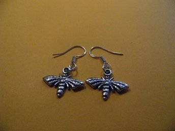 Geting örhängen / Wasp earrings