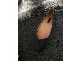 Ballerinaskor i äkta skinn sandaler storlek 37 - ängelholm - Ballerinaskor i äkta skinn sandaler storlek 37 - ängelholm
