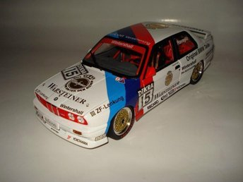 Minichamps 1:18 BMW M3 E30 DTM 1989 #15 Roberto Ravaglia (Warsteiner) - Lindås - Minichamps 1:18 BMW M3 E30 DTM 1989 #15 Roberto Ravaglia (Warsteiner) - Lindås