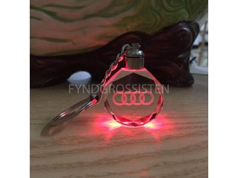 LED Light Car Logo Key Chains Nyckelring Audi Fri Frakt Ny