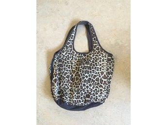 Väska leopard höst H&M