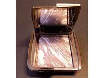 Hourglass ambient light bronzer !