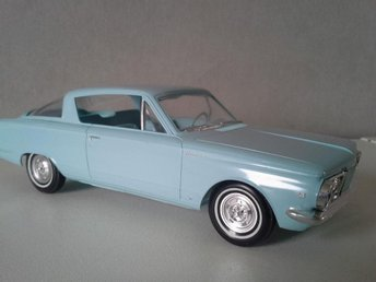 AMT. PLYMOUTH BARRACUDA 1965/65 SKALA 1/25