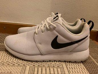 uk availability 558ac 7527f Nike Roshe one (338777582) ᐈ Köp på Tradera