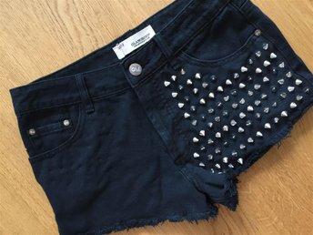 Shorts med nitar från Glamorous i UK12 - Uppsala - Shorts med nitar från Glamorous i UK12 - Uppsala
