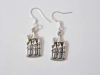 Slott örhängen / Castle earrings