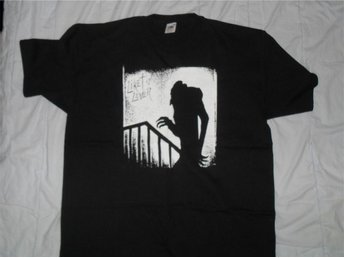 LIKET LEVER - (SMALL) T-Shirt! (KBD, GBG, Wadling, Punk) - Falkenberg - LIKET LEVER - (SMALL) T-Shirt! (KBD, GBG, Wadling, Punk) - Falkenberg