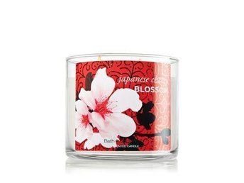 BATH&BODY WORKS 3-wicks Candle JAPANESE CHERRY BLOSSOM FYNDA - Stora Höga - BATH&BODY WORKS 3-wicks Candle JAPANESE CHERRY BLOSSOM FYNDA - Stora Höga