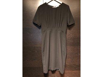 J Lindeberg svart klänning strlk 38 (420418932) ᐈ Köp på
