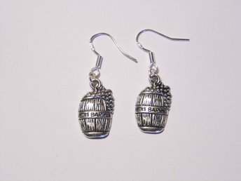 Vinfat örhängen / Wine barrel earrings