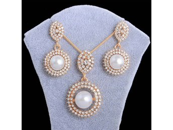 HELT NYA!! 18k Gold Plated White Pearl Pendant Chain/Necklace/Earrings Jewelry
