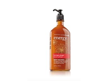 Javascript är inaktiverat. - Fort Lauderdale - BATH & BODY WORKS Aromatherapy Energy ORANGE GINGER BODY LOTION Orange and Ginger Essential Oils are uplifting to release tension and sharpen the senses Innehåller: 192 ml Betalning till mitt bankkonto 100% ORIGINAL PRODUKTER FRÅN Bath - Fort Lauderdale