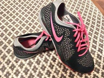 Nya! Nike dual fusion Stl 38 grå rosa, gymnastikskor träning skor