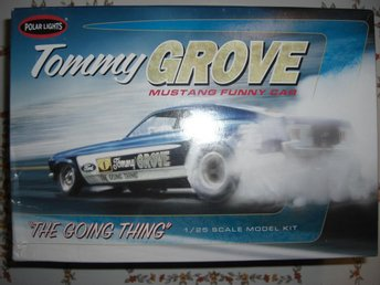 Polar Lights Tommy Grove Ford Mustang Funny Car, skala 1:25